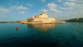 Άποψη σχετικά με το οχυρό ST Angelo από τον κόλπο φιλμ μικρού μήκους