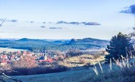 Άποψη σχετικά με το τοπίο arround Heimburg με το catle Regenstein - της Γερμανίας Στοκ φωτογραφία με δικαίωμα ελεύθερης χρήσης