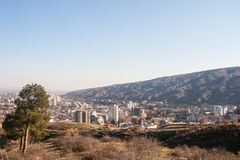 Άποψη σχετικά με το Tbilisi κοντά στο μοναστήρι Tabor Στοκ εικόνα με δικαίωμα ελεύθερης χρήσης