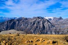 Άποψη σχετικά με το Torrenthorn μια ηλιόλουστη ημέρα φθινοπώρου, που βλέπει τα ελβετικά όρη, Ελβετία/Ευρώπη στοκ φωτογραφία
