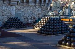 Άποψη σχετικά με cannon-balls του παλατιού πριγκήπων του Μονακό Στοκ εικόνες με δικαίωμα ελεύθερης χρήσης