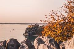 Άποψη σχετικά με Duino castel κατά τη διάρκεια του φθινοπώρου Στοκ εικόνες με δικαίωμα ελεύθερης χρήσης