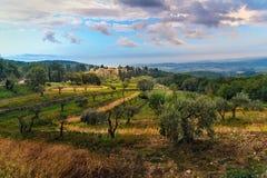 Άποψη σχετικά με Fonterutoli στην ανατολή Είναι χωριουδάκι Castellina σε Chianti στην επαρχία της Σιένα Τοσκάνη Ιταλία στοκ εικόνες