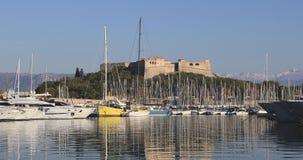 Άποψη σχετικά με LE Fort Carre από το λιμένα του Αντίμπες, Γαλλία απόθεμα βίντεο