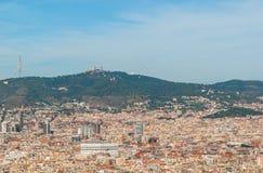 Άποψη τελεφερίκ της κατάκλισης πόλεων ` s της Βαρκελώνης και αστική πυκνότητα των κτηρίων Στοκ Φωτογραφίες