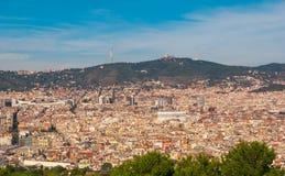 Άποψη τελεφερίκ της κατάκλισης πόλεων ` s της Βαρκελώνης και αστική πυκνότητα των κτηρίων Στοκ Φωτογραφία