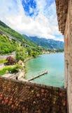 Άποψη της λίμνης Γενεύη Riviera, Autoroute A9 και ακτή, Veytaux, καντόνιο Vaud, Ελβετία, Ευρώπη Στοκ φωτογραφία με δικαίωμα ελεύθερης χρήσης