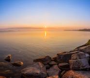 Άποψη της λίμνης Simcoe κατά τη διάρκεια της ανατολής Στοκ Εικόνες