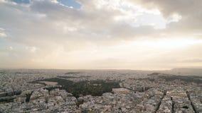 Άποψη της Αθήνας και της ακρόπολη από το υποστήριγμα Lycabettus απόθεμα βίντεο