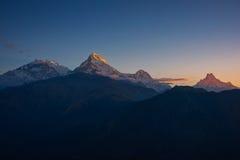 Άποψη της αιχμής Annapurna και Machapuchare στην ανατολή από Poonhill, Νεπάλ Στοκ φωτογραφίες με δικαίωμα ελεύθερης χρήσης