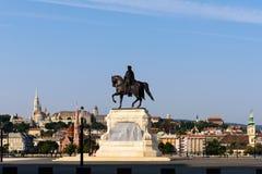 Άποψη της ακρόπολης Βουδαπέστη από το ουγγρικό Κοινοβούλιο Στοκ Φωτογραφίες