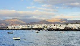 Άσπρα hiuses Arrieta της πόλης, νησί Lanzarote, Κανάρια νησιά, Στοκ Εικόνες