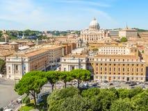 Άποψη της βασιλικής του ST Peter ` s από Castel Sant ` Angelo Στοκ εικόνες με δικαίωμα ελεύθερης χρήσης