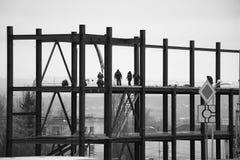 Άποψη της βιομηχανικής κατασκευής το βράδυ Στοκ Φωτογραφίες