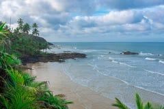 Άποψη της δύσκολης παραλίας Havaizinho αργά το απόγευμα στοκ εικόνα με δικαίωμα ελεύθερης χρήσης