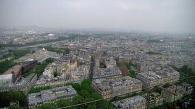 Άποψη της εικονικής παράστασης πόλης του Παρισιού, Ile de France, Γαλλία από τον ποταμό του Σηκουάνα στο στάδιο από το κέντρο spo απόθεμα βίντεο