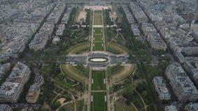 Άποψη της εικονικής παράστασης πόλης του Παρισιού, Ile de France, Γαλλία με σημαντικά θέλγητρα του Παρισιού - του Champ de Mars,  απόθεμα βίντεο
