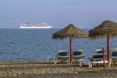 Άποψη της θάλασσας με το σκάφος Στοκ εικόνα με δικαίωμα ελεύθερης χρήσης