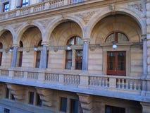 Άποψη της ιστορικής πόλης Πράγα, των συμπαθητικών παλαιών ορόσημων και των κτηρίων, των στεγών και των πύργων Czech παπάδων, Ευρώ στοκ εικόνες