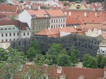 Άποψη της ιστορικής πόλης Πράγα, των συμπαθητικών παλαιών ορόσημων και των κτηρίων, των στεγών και των πύργων Czech παπάδων, Ευρώ στοκ εικόνες με δικαίωμα ελεύθερης χρήσης