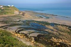 Άποψη της ΚΑΠ Gris Nez από μια παράκτια πορεία με την παραλία at low tide, υπόστεγο δ ` Opale, Pas-de-Calais, Hauts de Γαλλία, Γα Στοκ Φωτογραφίες