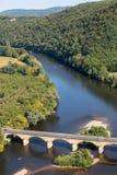 Άποψη της κοιλάδας του ποταμού Dordogne από Castelnaud Castle, Aquitaine, στοκ εικόνες