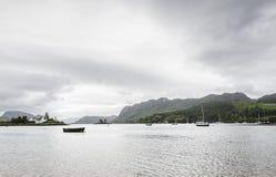 Άποψη της λίμνης Kishorn από την προκυμαία Plockton Στοκ Εικόνες