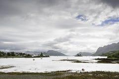 Άποψη της λίμνης Kishorn από την προκυμαία Plockton Στοκ Φωτογραφία