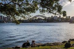 Άποψη της λιμενικής γέφυρας από το σημείο Cremorne, Σίδνεϊ, Αυστραλία στοκ εικόνες