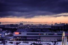 Άποψη της Μόσχας από τις κορυφές στεγών το χειμώνα τη νύχτα Στοκ εικόνα με δικαίωμα ελεύθερης χρήσης