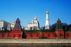 Άποψη της Μόσχας Κρεμλίνο από τον ποταμό της Μόσχας emban Στοκ φωτογραφία με δικαίωμα ελεύθερης χρήσης