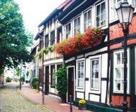 Άποψη της παλαιάς πόλης Hameln με τα τετραγωνικά και παραδοσιακά γερμανικά σπίτια αγοράς, χαμηλότερη Σαξωνία, Γερμανία Στοκ φωτογραφία με δικαίωμα ελεύθερης χρήσης