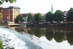 Άποψη της παλαιάς πόλης Hameln με τα τετραγωνικά και παραδοσιακά γερμανικά σπίτια αγοράς, χαμηλότερη Σαξωνία, Γερμανία Στοκ Φωτογραφίες