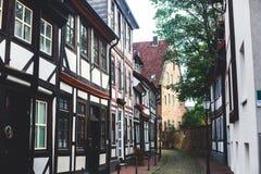 Άποψη της παλαιάς πόλης Hameln με τα τετραγωνικά και παραδοσιακά γερμανικά σπίτια αγοράς, χαμηλότερη Σαξωνία, Γερμανία Στοκ εικόνες με δικαίωμα ελεύθερης χρήσης