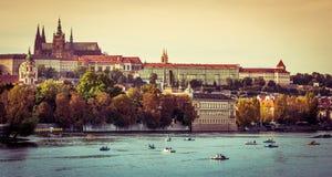 Άποψη της παλαιών πόλης και του κάστρου της Πράγας Στοκ φωτογραφίες με δικαίωμα ελεύθερης χρήσης
