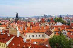 Άποψη της Πράγας από τον κήπο Vrtbovska Στοκ φωτογραφία με δικαίωμα ελεύθερης χρήσης