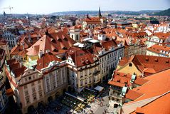 Άποψη της Πράγας από τον παλαιό πύργο Δημαρχείων Στοκ εικόνα με δικαίωμα ελεύθερης χρήσης