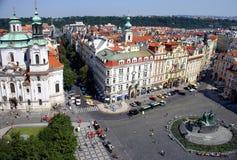 Άποψη της Πράγας από τον παλαιό πύργο Δημαρχείων Στοκ φωτογραφία με δικαίωμα ελεύθερης χρήσης