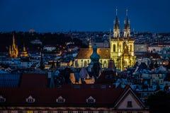 Άποψη της Πράγας στη νύχτα Στοκ Φωτογραφίες