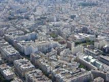 Άποψη της πόλης του Παρισιού από το ύψος του πύργου του Άιφελ στοκ εικόνα