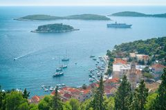 Άποψη της πόλης Hvar, νησί Hvar, Δαλματία, Κροατία Στοκ Φωτογραφία