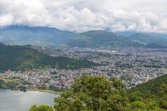 Άποψη της πόλης Pokhara και της λίμνης Phewa, Νεπάλ Στοκ Φωτογραφία