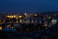 Άποψη της πόλης της Πράγας στη νύχτα, Δημοκρατία της Τσεχίας Στοκ φωτογραφία με δικαίωμα ελεύθερης χρήσης