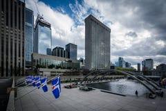 Άποψη της πλατείας του Nathan Phillips, στο στο κέντρο της πόλης Τορόντο, Οντάριο Στοκ εικόνες με δικαίωμα ελεύθερης χρήσης
