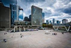 Άποψη της πλατείας του Nathan Phillips, στο στο κέντρο της πόλης Τορόντο, Οντάριο Στοκ Φωτογραφίες