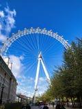 Ρόδα ματιών του Λονδίνου στοκ εικόνες