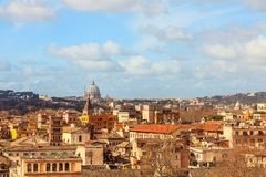 Άποψη της Ρώμης και Vaticano από το λόφο Aventine στοκ εικόνες
