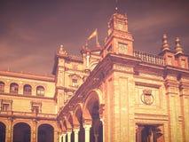 Άποψη της Σεβίλλης, Ισπανία στο εκλεκτής ποιότητας αναδρομικό ύφος με ένα μέρος Plaza de Espana Στοκ Εικόνες