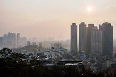 Άποψη της στο κέντρο της πόλης Σεούλ στο ηλιοβασίλεμα στοκ φωτογραφίες με δικαίωμα ελεύθερης χρήσης