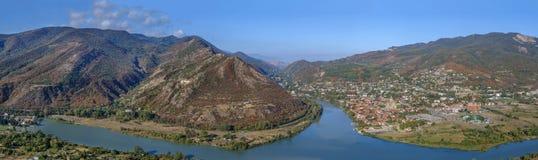 Άποψη της συγχώνευσης ποταμών Kura και Aragvi, Γεωργία Στοκ εικόνες με δικαίωμα ελεύθερης χρήσης